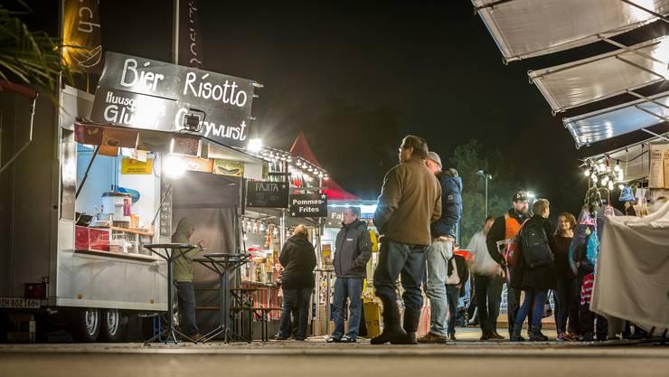 Am Donnerstag wagten sich erst wenige Besucher an die Herbstmesse Chris Iseli