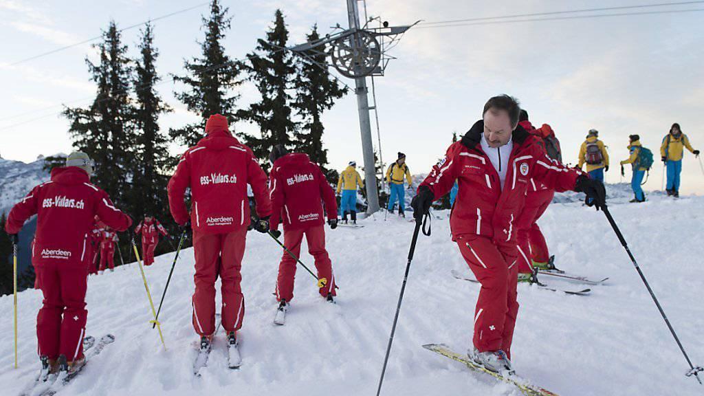 Künftig unterrichten einige Schweizer Skilehrer auch auf Chinesisch (Archiv).