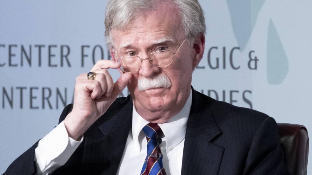 Die US-Demokraten wollen ihn zur Ukraine-Affäre hinter verschlossenen Türen befragen: Präsident Donald Trumps früherer Sicherheitsberater John Bolton. (Archivbild)