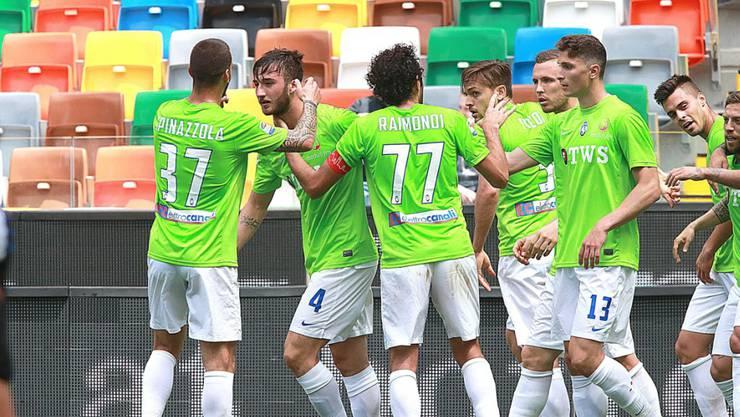Bryan Cristante (2. von links) erzielte in Udine den Führungstreffer für Atalanta