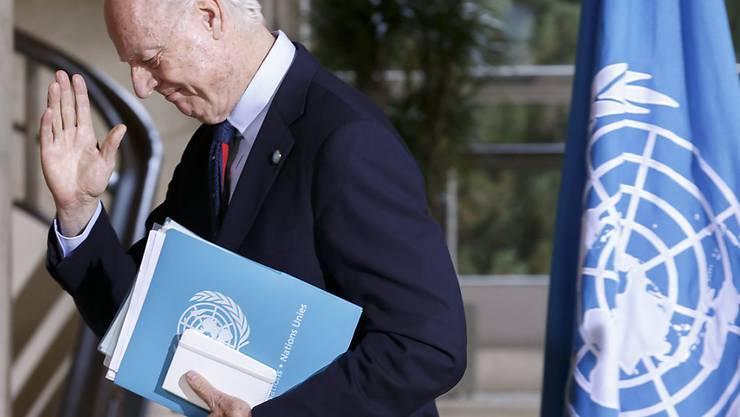 Herber Rückschlag für seine Friedensbemühungen: Der UNO-Sondergesandte de Mistura teilte in Genf mit, dass die Oppositionsgruppierung HNC nicht offiziell an den Gesprächen teilnehmen will.