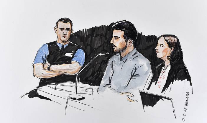 Im Bild ist der Angeklagte mit seiner Pflichtverteidigerin Renate Senn am ersten Prozesstag zu sehen.