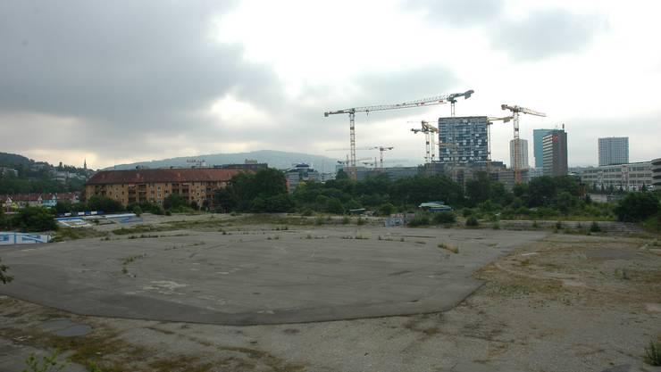 Das Areal des Hardturm-Stadions liegt seit Jahren brach. (Archiv)