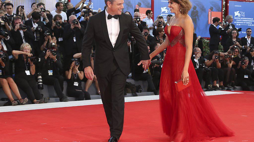 «Downsizing»-Hauptdarsteller Matt Damon mit seiner Ehefrau Luciana Barroso bei der Eröffnung der Filmfestspiele in Venedig.