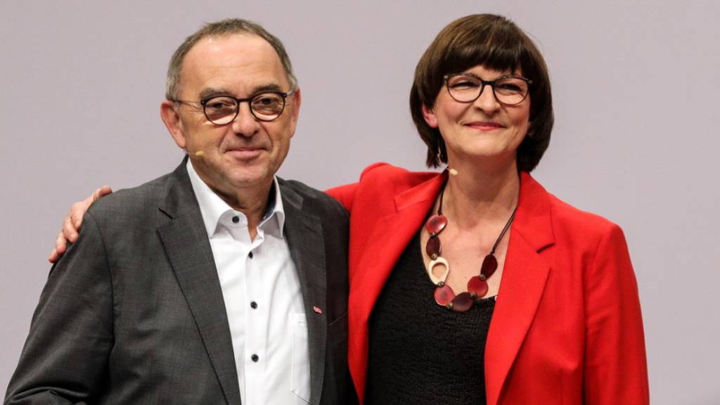 SPD wählt GroKo-Kritiker zu Chefs - Vorerst kein Koalitionsende