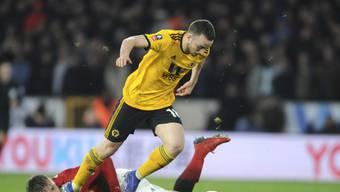 Wolverhampton war nicht zu stoppen: Torschütze Diogo Jota umläuft Manchester Uniteds Aussenverteidiger Luke Shaw