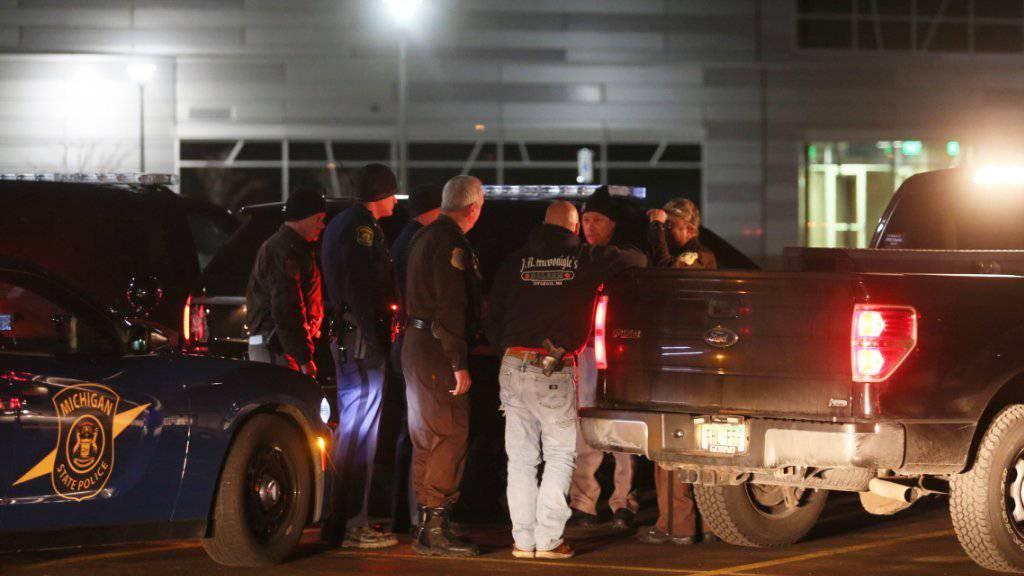 Polizei-Einsatz während der Schiesserei in Michigan