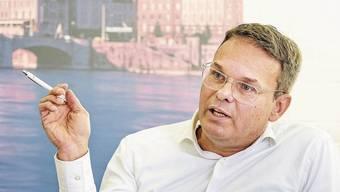 Der neue FCB-Präsident Reto Baumgartner hat sein Glanzresultat mit einem Glacé gefeiert.