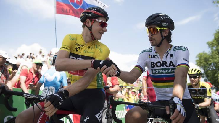 Leader und der spätere Etappensieger unter sich: Stefan Küng und Peter Sagan vor dem Start der 2. Tour-de-Suisse-Etappe in Frauenfeld.