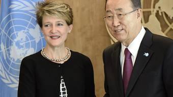 Bundespräsidentin Simonetta Sommaruga und UNO-Generalsekretär Ban Ki Moon bei ihrem Treffen in New York.