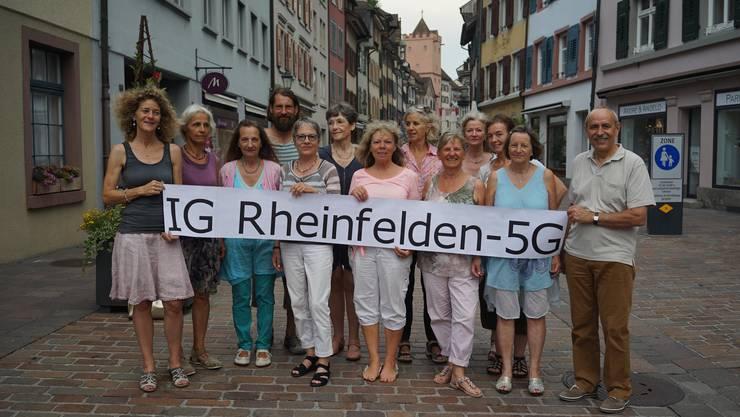 Peter Koller (r.) kämpft mit der IG gegen den «ungebremsten Antennenausbau».