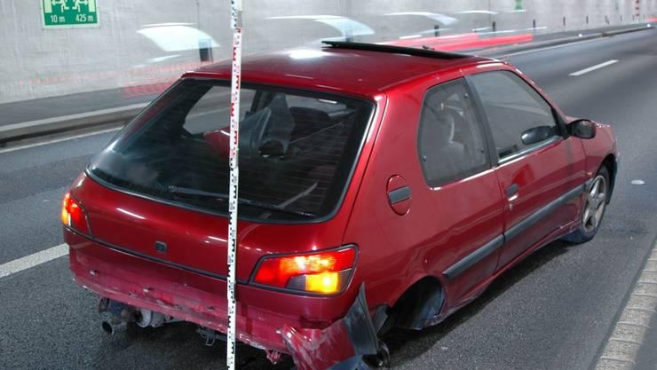 Da havarierte Fahrzeug nach dem Crash