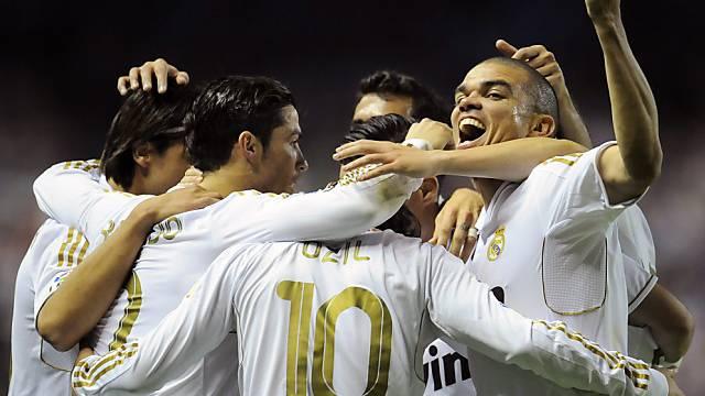 Die Stars von Real Madrid feiern die spanische Meisterschaft. Das wollen sie auch dieses Jahr.