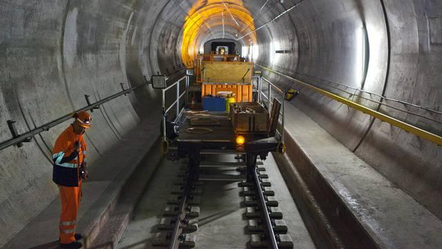 Der neue Gotthardbasistunnel soll mehr Passagiere bringen (Archiv)