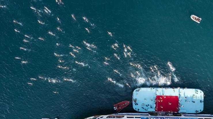 Im Dauerschwimmen übertreffen die Frauen regelmässig die Männer.