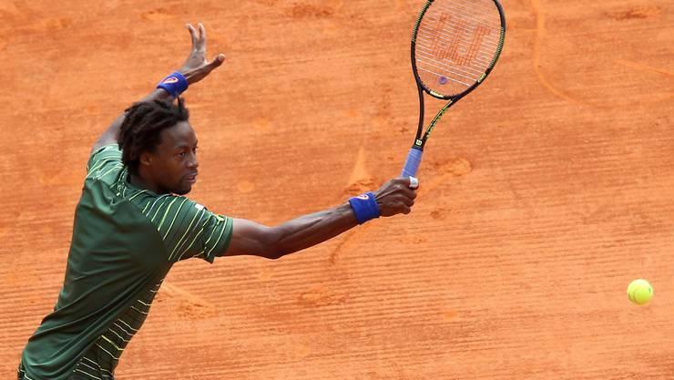 Der Franzose Monfils schlägt Federer in zwei Sätzen.