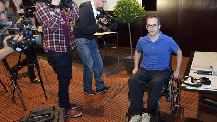 Ronny Keller an der Pressekonferenz im Paraplegikerzentrum Nottwil