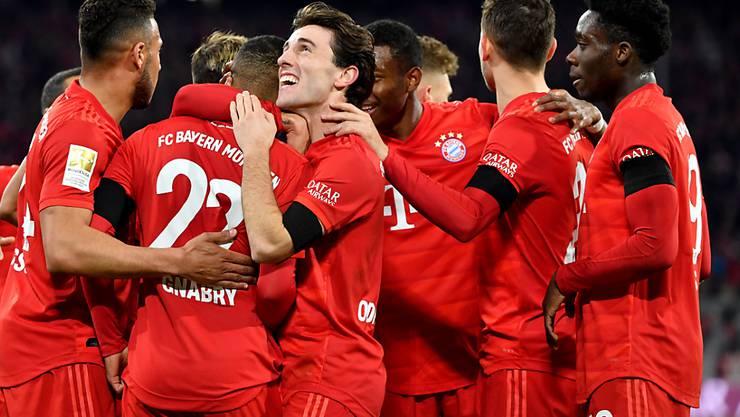 Die Spieler von Leader Bayern München müssen sich bis zum nächsten Torjubel weiter gedulden.