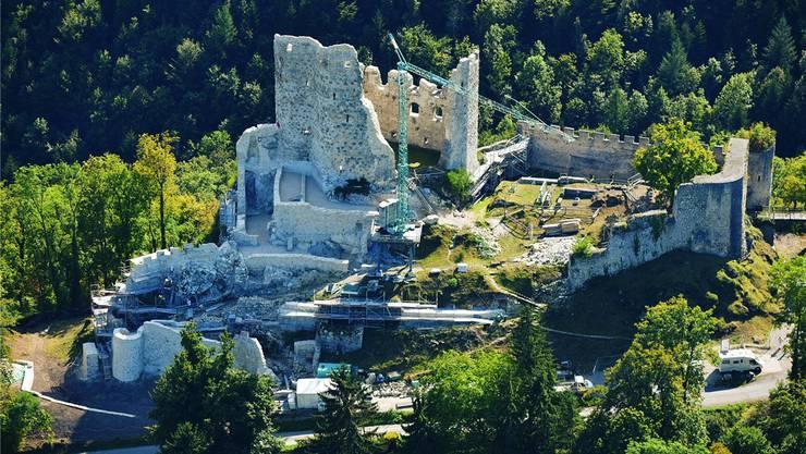 Gute Nachricht: Die Sanierung der Ruine Pfeffingen wird früher als geplant abgeschlossen. Fotos: Archäologie Baselland