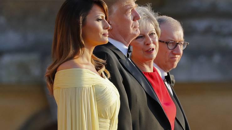 First Lady Melania Trump, US-Präsident Donald Trump, die britische Premierministerin Theresa May und ihr Mann Philip May während der Ankunftszeremonie beim Blenheim Palace.