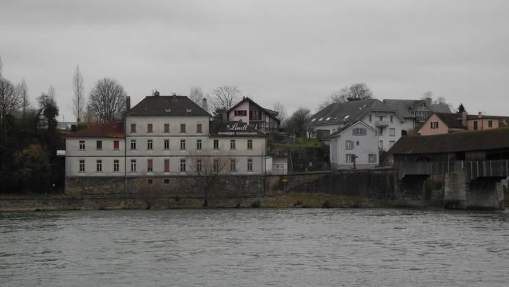Im markanten «Lindt-Gebäude» (l.) sind gemäss einem Richtprojekt zwölf Wohnungen geplant. Vor der Umsetzung des Projekts braucht es aber einen rechtsgültigen Gestaltungsplan. mf