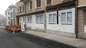 An der Däderizstrasse werden Geschäftsräume zu Wohnungen umgebaut.