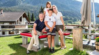 Hier tankt er Energie: Marco Chiesa mit seinen Kindern Micol und Mathias und seiner Ehefrau Monja.