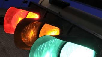 In der Brunaustrasse wird eine neue Lichtsignalanlage eingerichtet, um den Engpass zu regeln, der sich aus der neuen Bauphase ergibt. (Symbolbild)