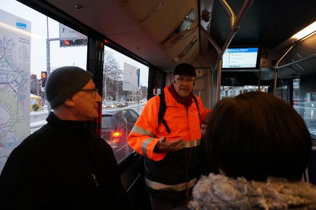 Auch im Bus gibt es Einblicke in Nikolaus Wyss Betrachtungen zu Schlieren.jpg