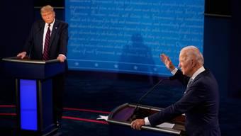 Das SRF übertrug das TV-Duell zwischen US-Präsident Donald Trump (l.) und seinem Herausforderer Joe Biden.
