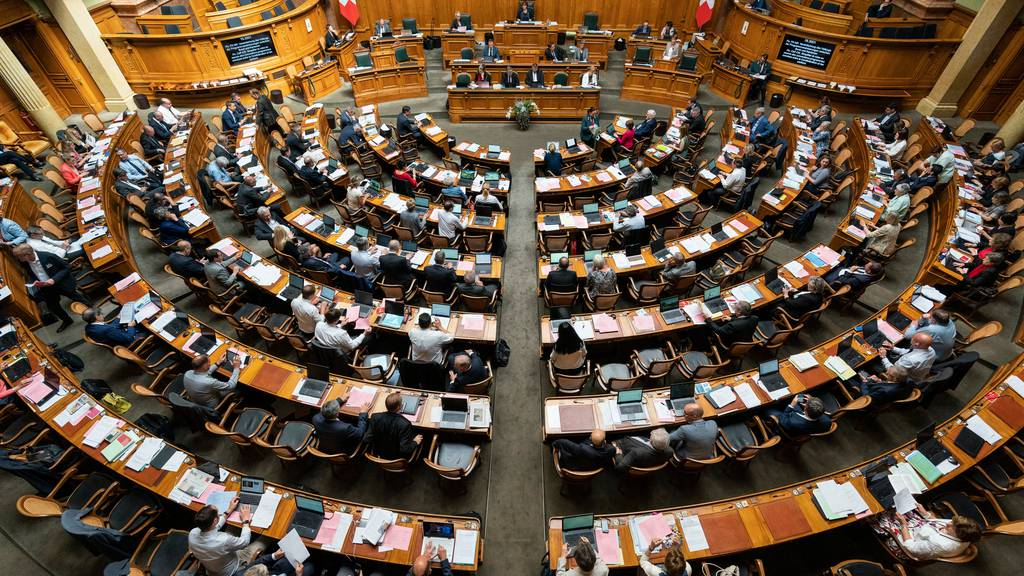 Blick in den Nationalratssaal: Am unzufriedensten mit der Schweizer Politik sind die Wähler der SVP.