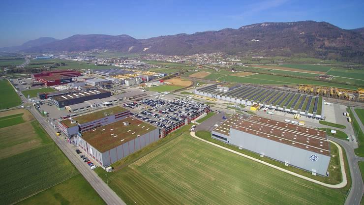 Industriegebiet Altgraben Härkingen (Dorf im Hintergrund) Industrie- und Gewerbezone Härkingen Leitbild Drohnenfotos