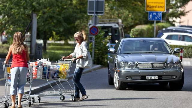 Schweizer dürfen zurzeit nicht im Deutschland (im Bild: Konstanz) einkaufen. (Archiv)