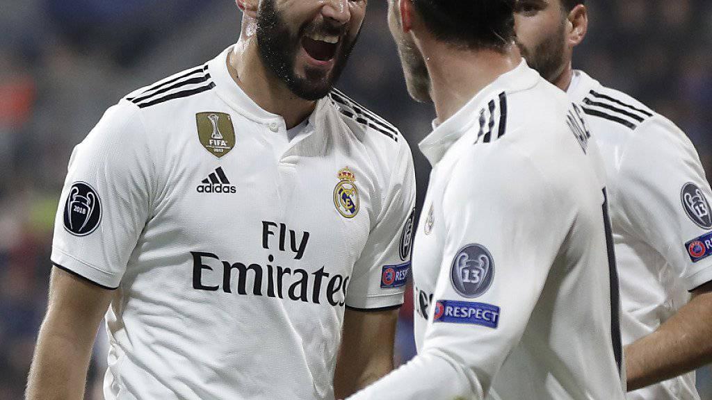 Karim Benzema (links) glänzte beim 5:0-Kantersieg von Real Madrid bei Viktoria Pilsen als zweifacher Torschütze