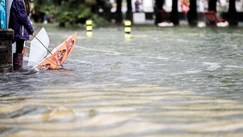 Hochwasser in Locarno am 4. Oktober 2020: Vergangenes Jahr kam es jedoch vergleichsweise zu geringen Schäden durch Unwetter. (Archivbild)