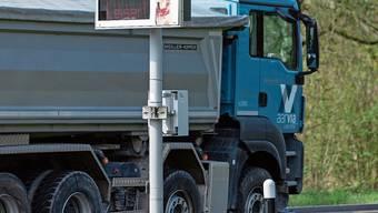 Der Kantonsrat diskutierte gestern über sogenannte Lärmblitzer, die mehr können sollen als bloss gute Ratschläge erteilen. Die Technik dafür könnte in den nächsten Jahren fertig entwickelt sein.