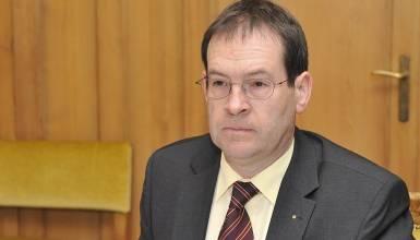 Der amtierende Staatsschreiber will den frei werdenden FDP-Sitz erobern.