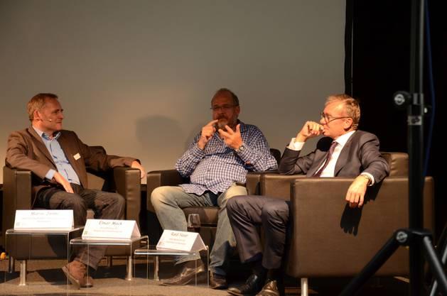 Mario Jenni, Mitgründer des Bio-Technopark, Swatch-Miterfinder Elmar Mock und FDP-Nationalrat Ruedi Noser diskutierten angeregt über das Verhältnis zwischen Politik und Innovation