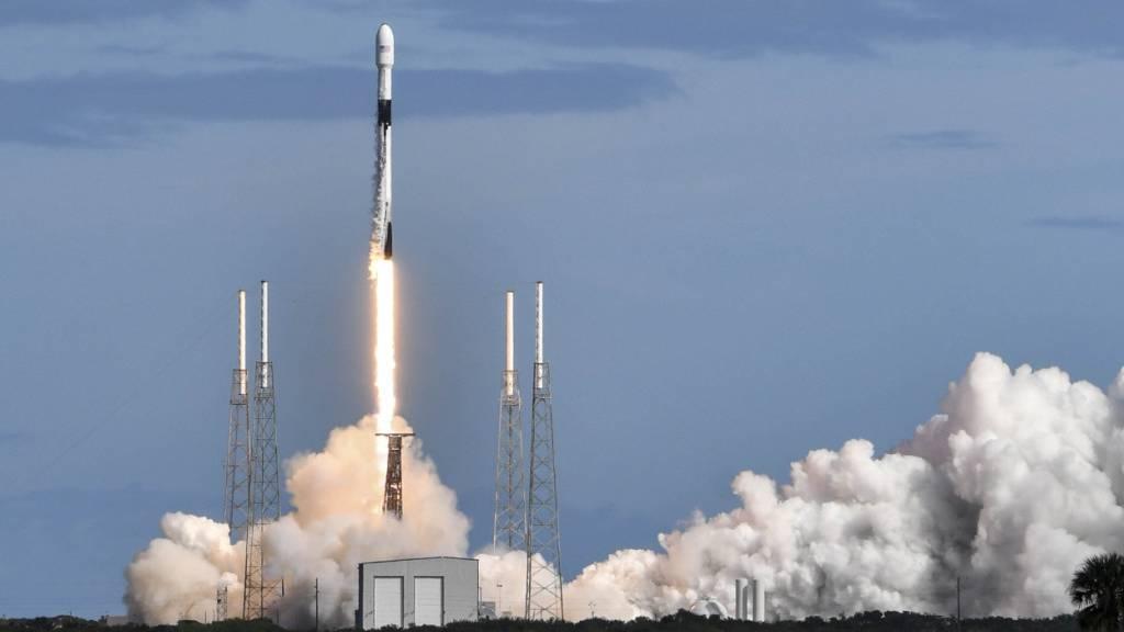 SpaceX treibt Aufbau eines Weltall-gestützten Internets voran