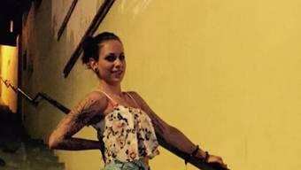 Trotz mütterlicher Kritik findet Einwohnerrätin Celina Feriihr neues Facebook-Profilfoto ästhetisch schön und steht dazu.