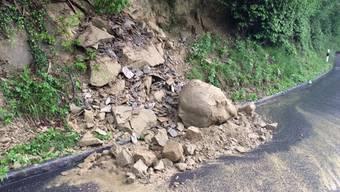 Die Böden sind gesättigt: Die angekündigten Regenschauer bergen die Gefahr von Hangrutschen. (Archivbild)