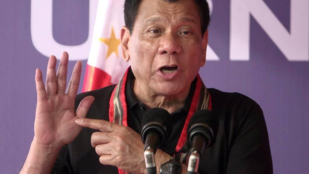 Der Präsident der Philippinen, Rodrigo Duterte, brüstet sich damit, persönlich Drogenkriminelle umgebracht zu haben. (Archivbild)