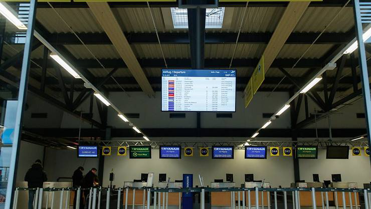 Ryanair blühte vor Weihnachten ein Streik in mehreren europäischen Ländern. Nun hat der irische Billigflieger gegenüber den Pilotengewerkschaften eingelenkt und will diese anerkennen.