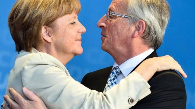 Er ist ihr Favorit: Bundeskanzlerin Merkel mit Juncker