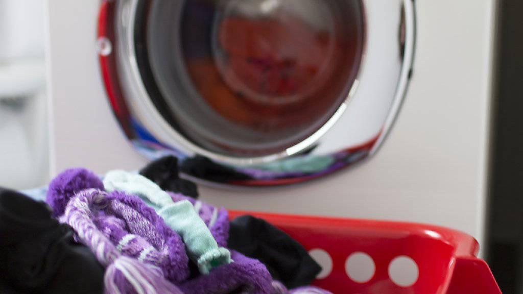 Onlinebestellungen für Verbrauchmaterial wie Waschmittel oder Shampoo können künftig mittels Knopfdruck ausgelöst werden. (Symbolbild)