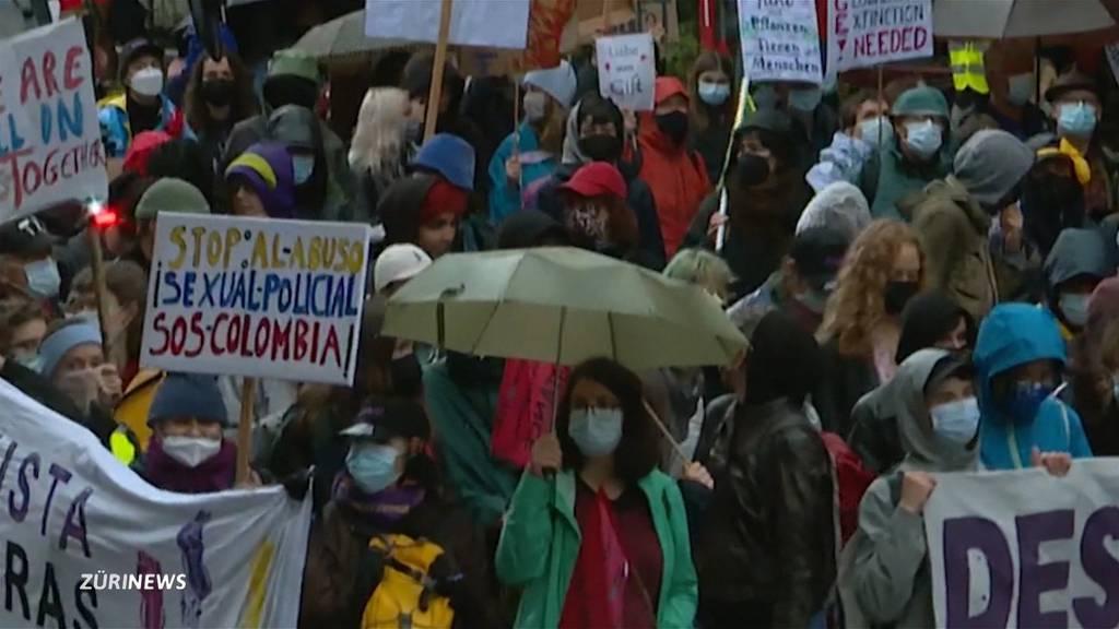 Regeln über Bord geworfen: Bewilligte Klimademo vom Freitag sorgt für heftige Kritik Entry