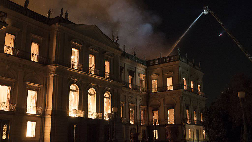 Das Nationalmuseum Brasiliens in Rio de Janeiro stand innert kurzer Zeit in Vollbrand.
