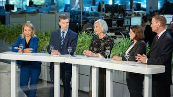 Einer von ihnen übernimmt vermutlich das Departement für Gesundheit und Soziales (v.l.n.r.): Yvonne Feri (SP), Severin Lüscher (Grüne), Doris Aebi (GLP), Jeanine Glarner (FDP) und Jean-Pierre Gallati (SVP).