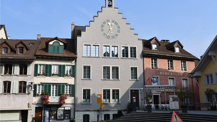 Das Brugger Steueramt ist im Amtshaus in der Altstadt untergebracht. jam