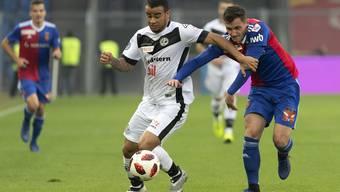 Teil der seit drei Spielen unveränderten Startelf: Taulant Xhaka (rechts), der gegen Lugano erneut in der Innenverteidigung agierte.